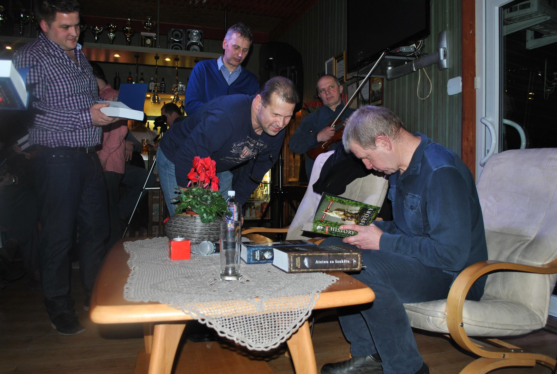 kacergine men Giedre apartamens-birzelio - giedre apartamens-birzelio offre un soggiorno piacevole a kaunas gli ospiti possono usufruire di trasferimento in aeroporto e servizio stiratura.